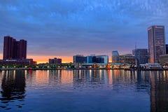 De Binnenhaven van Baltimore bij Schemer royalty-vrije stock fotografie
