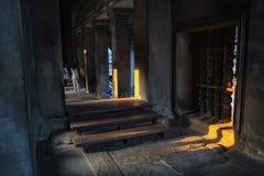 De binnenkant van ankor wat tempel siem oogst Kambodja stock foto's