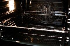 De binnenkant van een fornuis nieuwe oven Royalty-vrije Stock Afbeelding