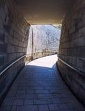 de binnenlandse foto van de baksteengang Stock Afbeelding