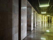 Is de Binnenlandse gang van Masjidistiqlal in Indonesië de grootste moskee in Azië stock foto's