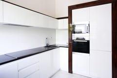 De binnenlandse hoek van de keuken Stock Afbeelding
