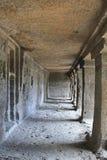 De binnenmening van het klooster van Boedha, holt Nr 12, Ellora Caves, India uit Stock Fotografie