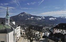 De binnenplaats van het kasteel in Salzburg Stock Foto