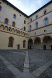 De binnenplaats van kasteelsforzesco stock afbeelding