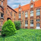 De binnenplaats van Oudsint Janshospitaal royalty-vrije stock afbeelding