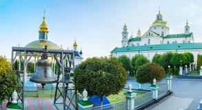 De binnenplaats van Pochayiv Lavra stock afbeelding