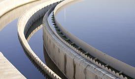 De biologische installatie van de afvalwaterbehandeling stock fotografie