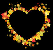 De bladeren van de herfst in het hartframe Stock Foto