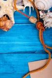 De blauwe achtergrond van de de zomervakantie met ruimte voor adverterend en maritiem thema Royalty-vrije Stock Foto's
