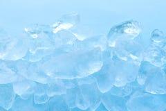 de blauwe achtergrond van de ijsblokjetextuur Stock Afbeelding
