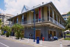 De blauwe bouw van het Stuivermuseum in Haven Louis, Mauritius royalty-vrije stock afbeelding