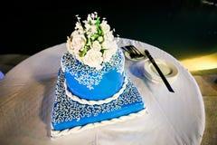 De blauwe Cake van het Chocoladehuwelijk stock foto