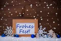 De blauwe Decoratie, Sneeuw, Frohes Fest betekent Kerstmis, Sneeuwvlokken Royalty-vrije Stock Foto's