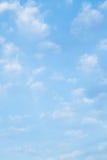 De blauwe Hemel en Achtergrond van Wolken Royalty-vrije Stock Fotografie