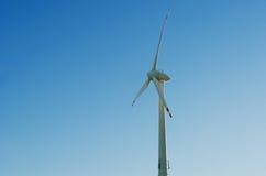 De blauwe hemel van de windmotor Royalty-vrije Stock Foto's