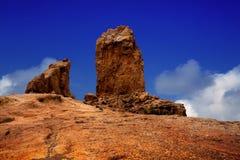 De blauwe hemel van Gran Canaria Roque Nublo royalty-vrije stock foto's