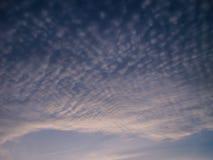 De blauwe hemel van wolken Royalty-vrije Stock Fotografie