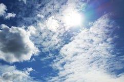 De blauwe hemel van wolken Royalty-vrije Stock Foto's