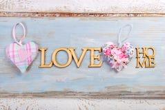 De blauwe houten achtergrond van het liefdehuis Stock Afbeeldingen