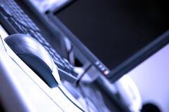 De blauwe schermen en toetsenborden Stock Afbeelding