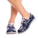 De blauwe schoenen van het leerdek Stock Foto's