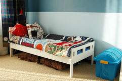 De blauwe slaapkamer van jonge geitjes Royalty-vrije Stock Foto's