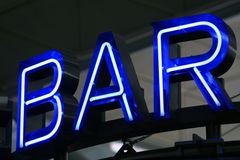 De blauwe Staaf van de Reclame van het Neon Stock Afbeelding
