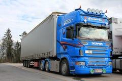 De blauwe Vrachtwagen van Scania R500 V8 Stock Foto
