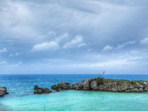 De blauwgroene oceaanbaai van de Bermudas Stock Foto