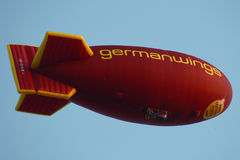 De blimp van Germanwings stock foto's