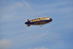 De blimp van Goodyear stock afbeelding