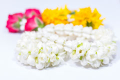 De bloem in Thaise traditionele jasmijnslinger Royalty-vrije Stock Afbeeldingen