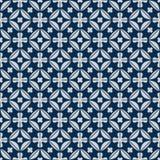 De bloem van de diamantvorm binnen het blauwe naadloze patroon van symmetriejapan Royalty-vrije Stock Fotografie