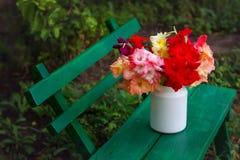De bloemen kunnen binnen royalty-vrije stock foto
