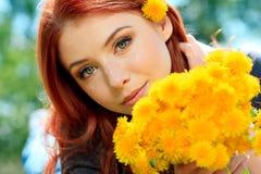 De bloemen van de paardebloem Stock Foto