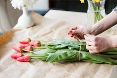De bloemenlente van de de tulpenregeling van de workshopbloem royalty-vrije stock foto's