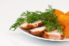De bloemkool van Rosted met chiken vlees Stock Foto's