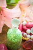 De bloemlelie van het kuuroordconcept het zoute baden Royalty-vrije Stock Afbeelding