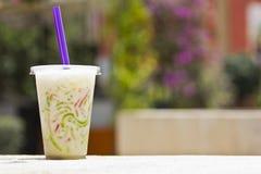 De bloemnoedel van de tapioca in zoete kokosmelk Stock Afbeelding