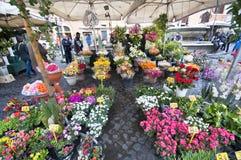 De bloemverkopers bij Campo dei Fiori Royalty-vrije Stock Afbeeldingen