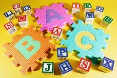 De Blokken van het alfabet en de Raadsels van het Alfabet Royalty-vrije Stock Afbeelding