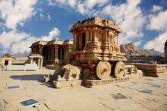 De blokkenwagen van de steen in Hampi. India Stock Afbeelding