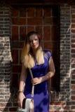 De blonde straal van de vrouwenzon, Groot Begijnhof, Leuven, België stock afbeelding
