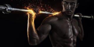De bodybuilder van het close-upportret Stock Afbeeldingen
