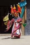 De boeddhistische lama's kleedden zich op tijd in mystieke masker het dansen Tsam geheimzinnigheid dans van het Boeddhistische fe Stock Afbeeldingen