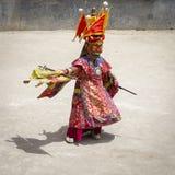 De boeddhistische lama's kleedden zich op tijd in mystieke masker het dansen Tsam geheimzinnigheid dans van het Boeddhistische fe Stock Fotografie