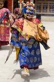 De boeddhistische lama's kleedden zich op tijd in mystieke masker het dansen Tsam geheimzinnigheid dans van het Boeddhistische fe Stock Afbeelding
