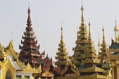 De boeddhistische tempel complexe Shwedagon is een historisch symbool van Boeddhisme, Myanmar royalty-vrije stock fotografie