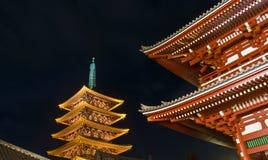 De Boeddhistische tempel van Sensoji bij nacht Royalty-vrije Stock Afbeeldingen
